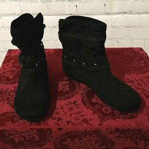 Report Elson Black Ankle Boots Size 6.5